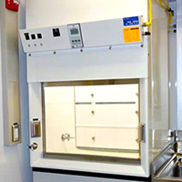 Custom and Laminar Flow Fume Hoods